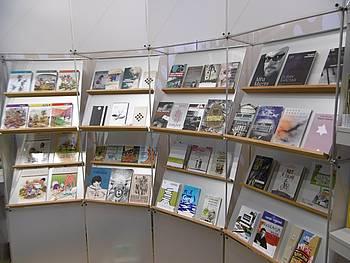 Knjige slovenskih izpostavljenih avtorjev na knjižnem sejmu v Leipzigu 2015