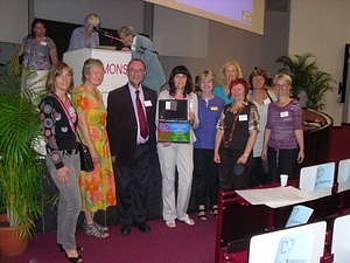 Slovenske udeleženke konference o branju v Monsu 2011