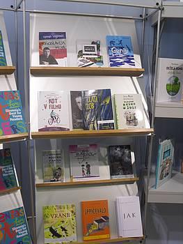 Knjige na polici JAK stojnice v Bologni 2014