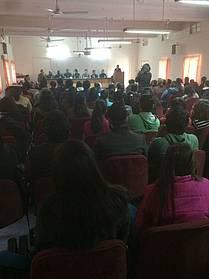Lit. dogodek na Univerzi v New Delhiju