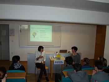 »Rastem s knjigo SŠ« – Lučka Kajfež Bogataj, foto: Maja Deniša in Mateja Premk, koordinatorki projekta