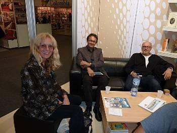 Lila Prap, Andrej Blatnik in Miha Mazzini na knjižnem sejmu v Frankfurtu 2011