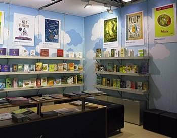 Predstavitev slovenskih avtorjev na slovenski stojnici na knjižnem sejmu v Bologni 2014