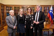 Minister za kulturo Anton Peršak, vodja programa Častna gostja Simone Bühler, direktorica JAK Renata Zamida, direktor Frankfurtskega knjižnega sejma Juergen Boos