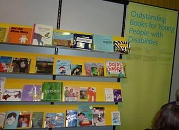 IBBYjev izbor knjig za otroke s posebnimi potrebami na knjižnem sejmu v  Bologni 2013