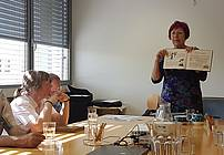 Aksinja Kermauner na obisku v VDC Polž