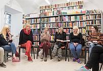 Usposabljanje ViA v ZPKZ Ig, mentorica Nataša Konc Lorenzutti in gostja Neda Rusjan Bric