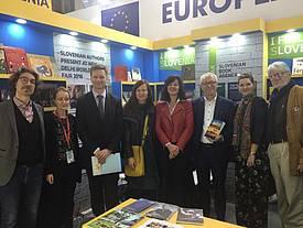 Slovenska delegacija na knjižnem sejmu v Indiji