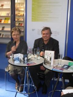 Predstavitev prevoda Jančarjevega romana na knjižnem sejmu v Budimpešti 2011
